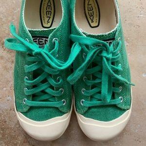 Women's size ten (10) keen shoes
